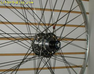 Brevette/Touring wheel  White Ind. hub with Campagnolo Gamma rim